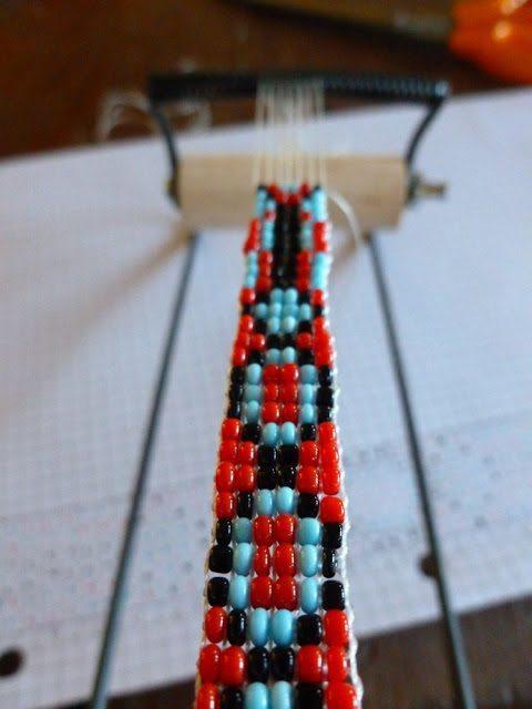 Как украсить кожаный браслет бисером: мастер-класс 4