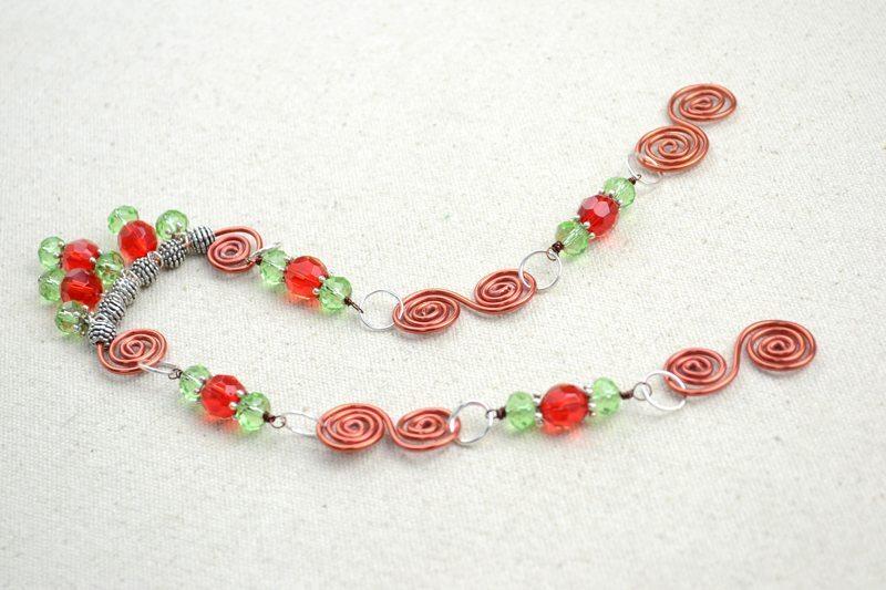 Ожерелье из бусин и проволоки: мастер-класс 4