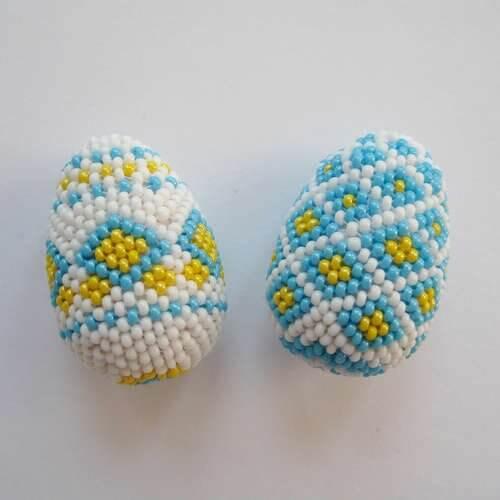 Яйца из бисера - схема и мастер-класс