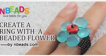 Кольцо из бисера с цветком
