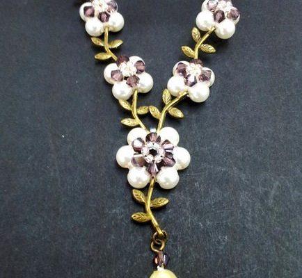 Ожерелье с цветами