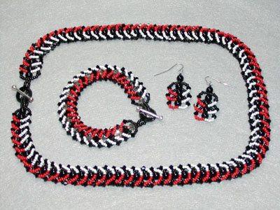 Спиральные серьги из бисера