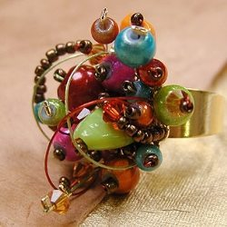 Фантазийное кольцо из бисера