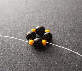 Интересный жгут из бисера: схема плетения 1