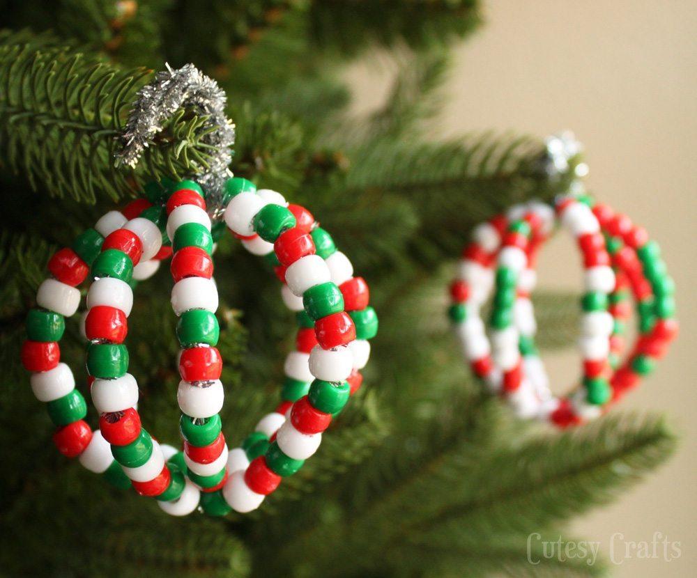 Новогоднее украшение из бисера