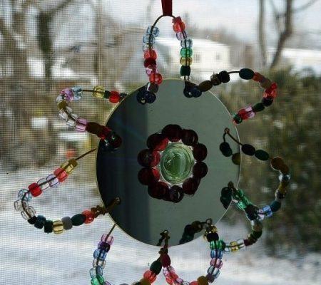 Сувениры из бисера и дисков