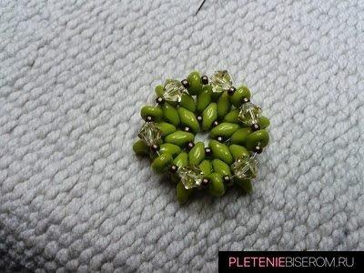 Звезда из бисера с риволи: схема плетения 7