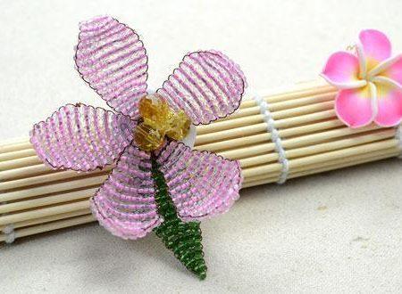 Цветок брошь из бисера своими руками