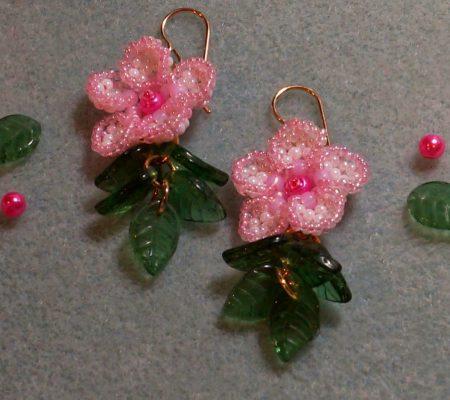 Цветы сакуры из бисера своими руками