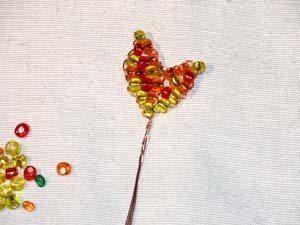 Осенний клен из бисера