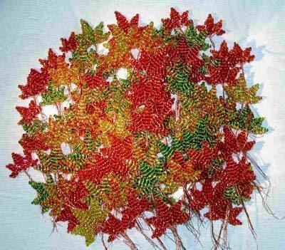 Осенний клен из бисера своими руками