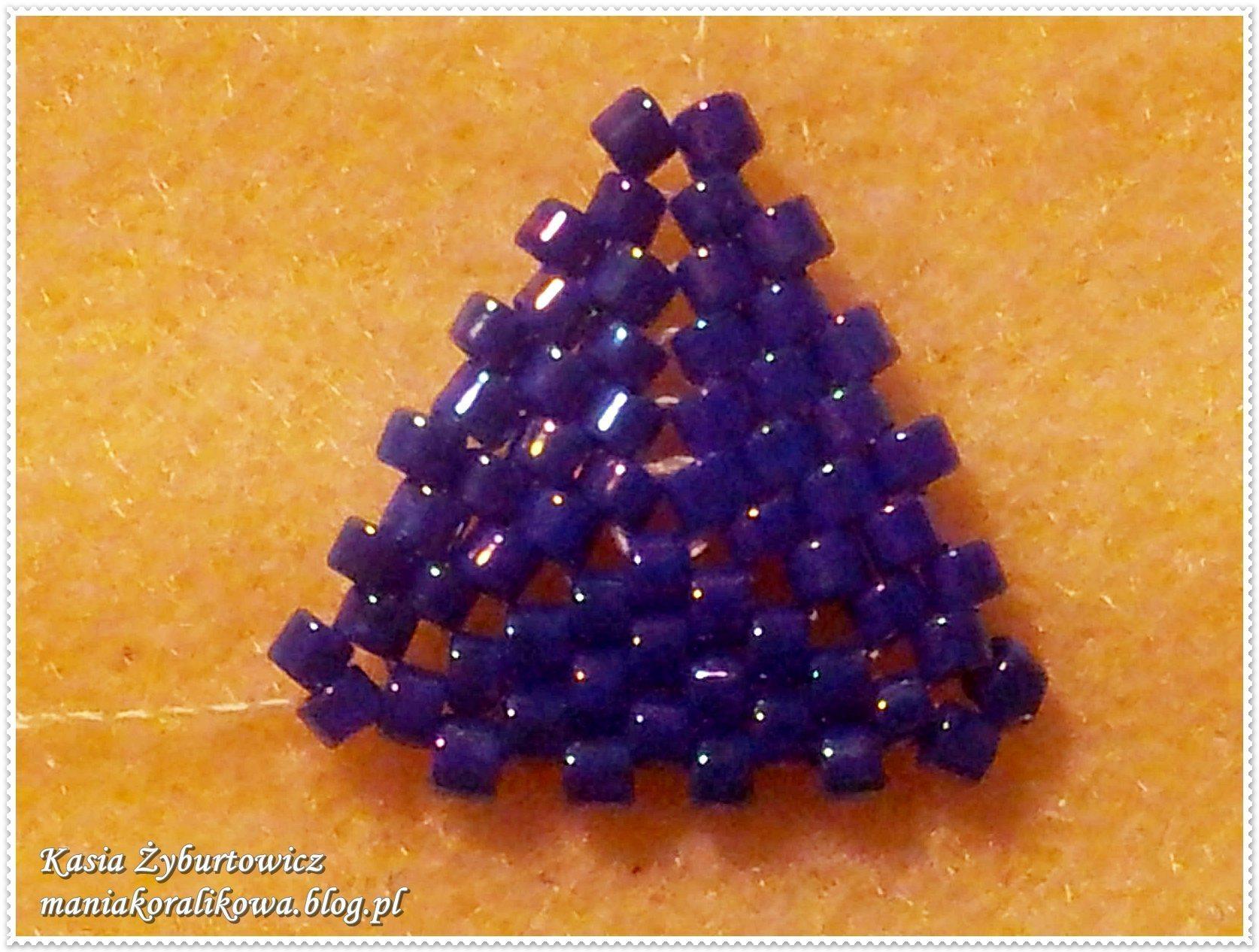 Серьги из бисера Треугольники 14