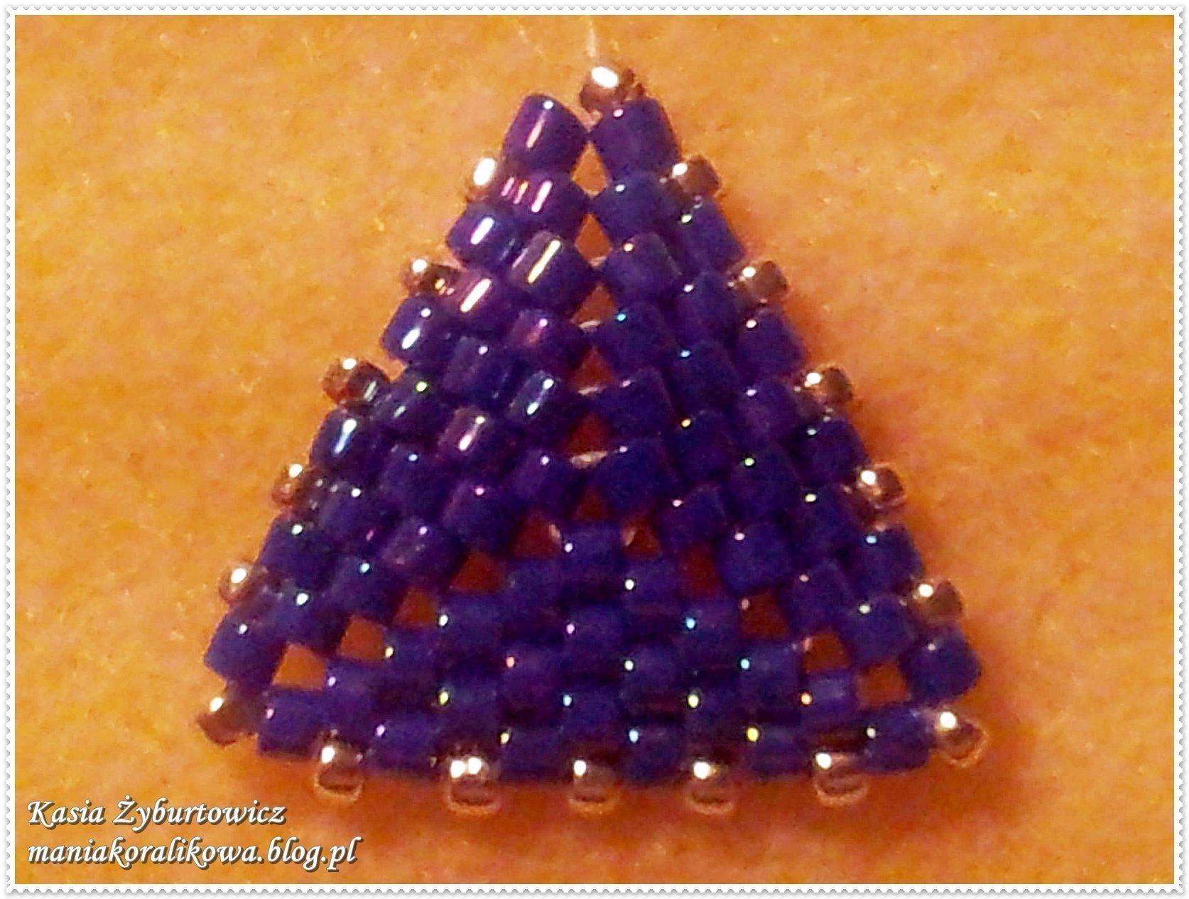 Серьги из бисера Треугольники 15