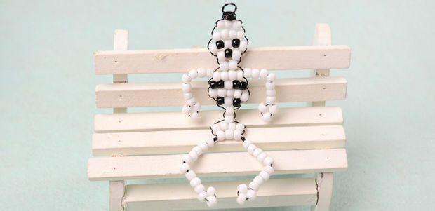 Скелет из бисера
