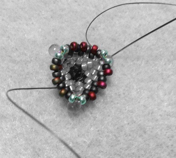 Кулон из бисера: схема плетения 2