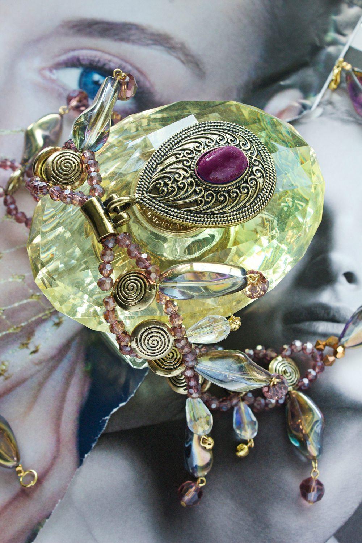 Ожерелье из полудрагоценных бусин