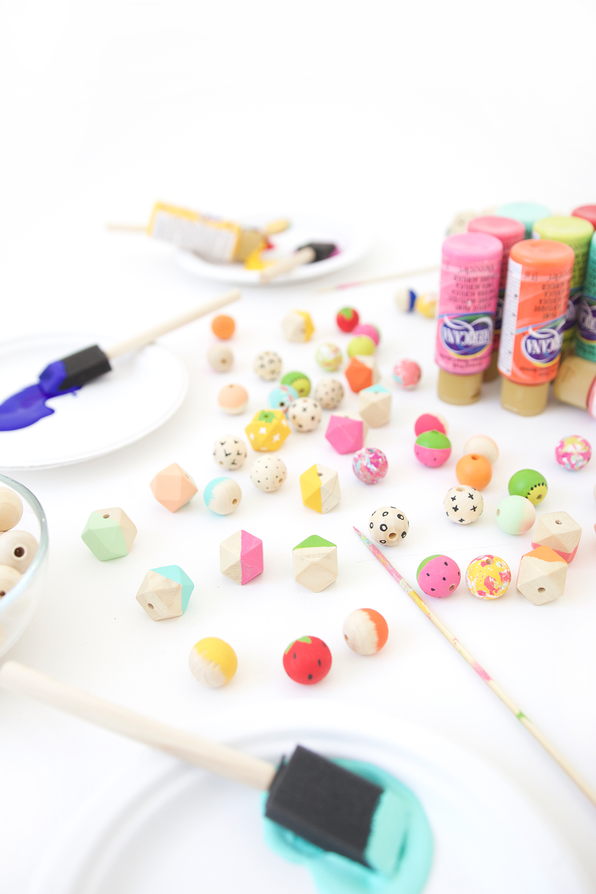Как покрасить бусины своими руками