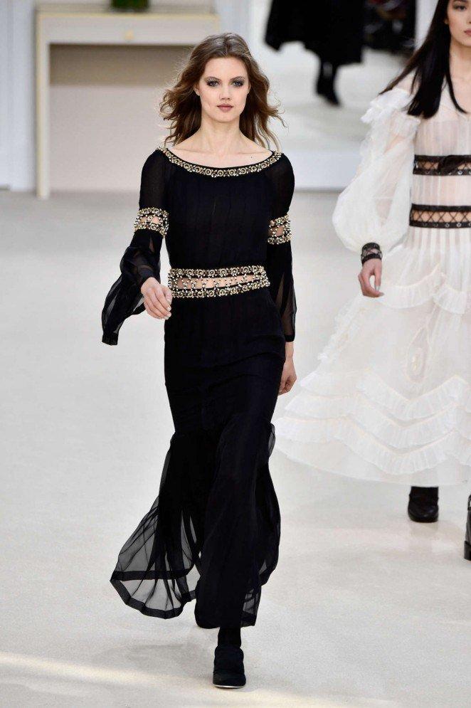 Платье от шанель с бисером