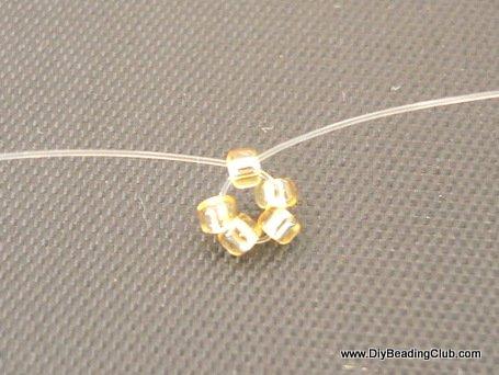 Браслет бабочка из бисера и биконусов-соберите 5 бусин в кольцо