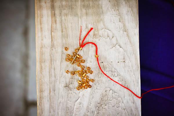 Фенечки из бисера и мулине