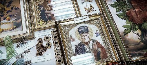 Иконы из жемчужин и бисера