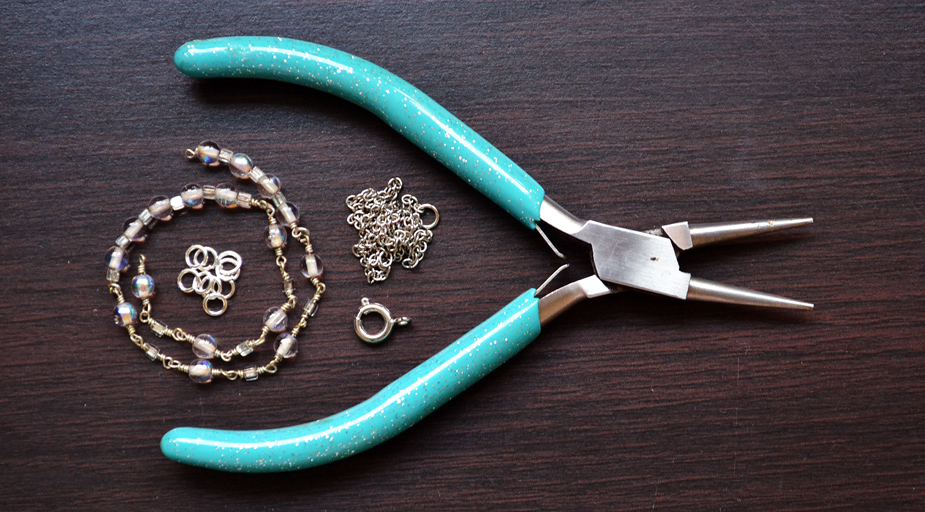 Слейв браслет из бисера и бусин-материалы