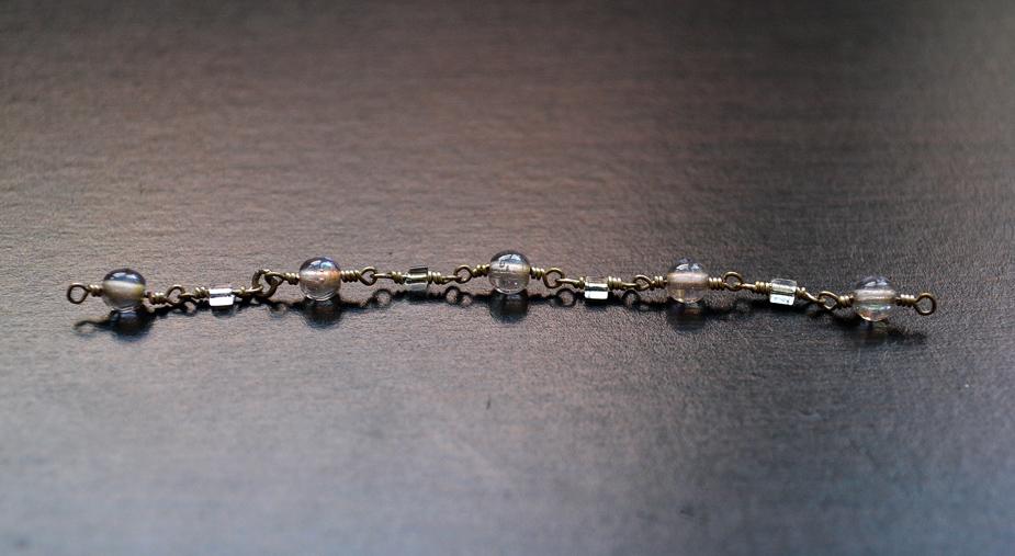 Слейв браслет из бисера и бусин-отрежьте кусок ожерелья