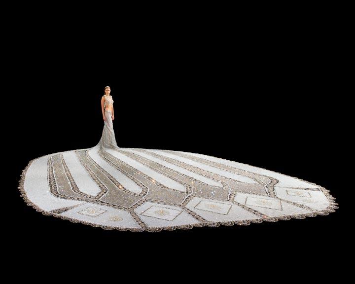 Свадебное платье из бисера от дизайнера Gail Be 2