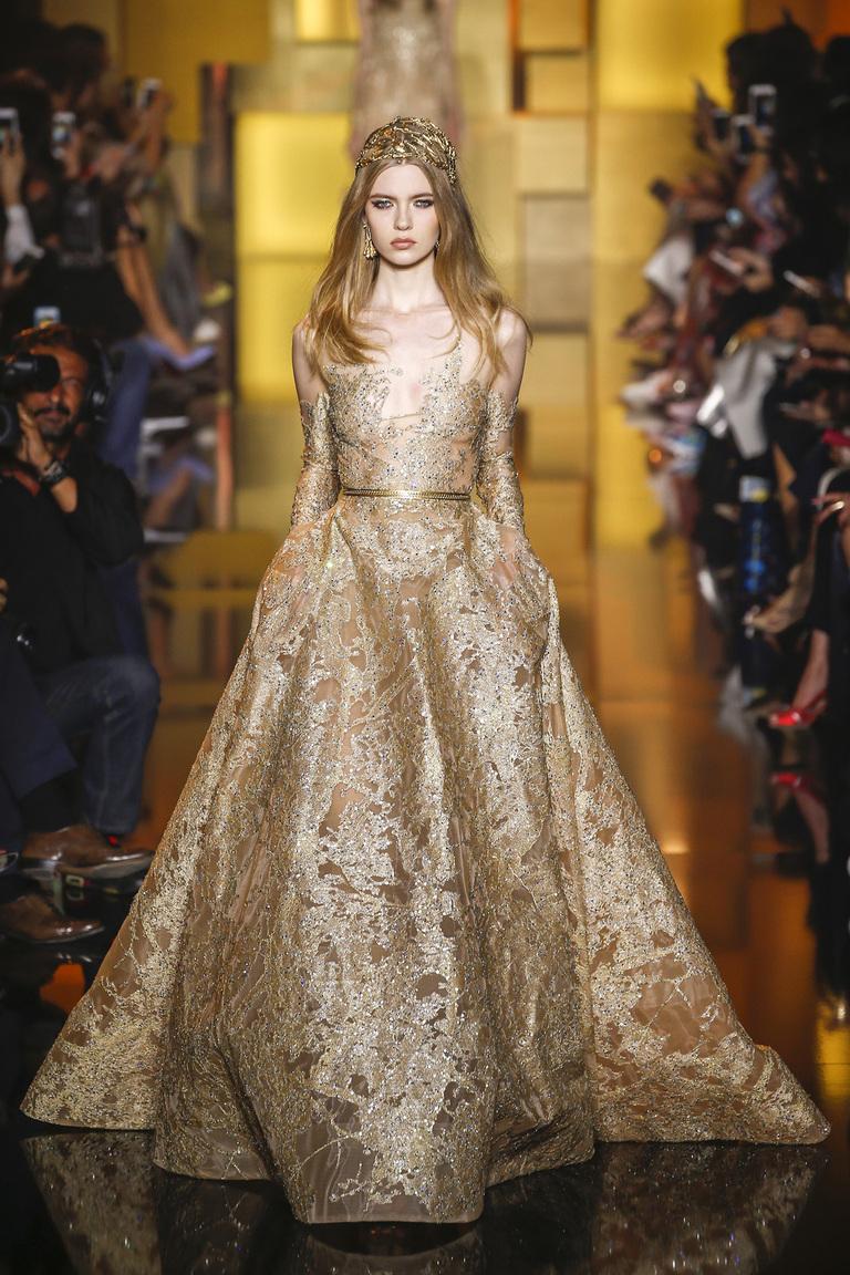 Бисерные платья дизайнера Эли Сааба