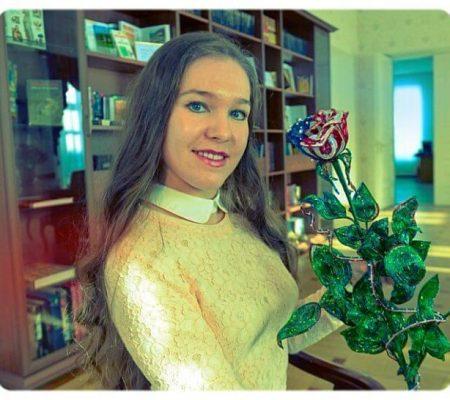Бисерная роза для первой леди США- создательница