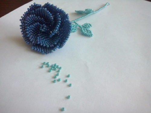 Розу из бисера схема и фото