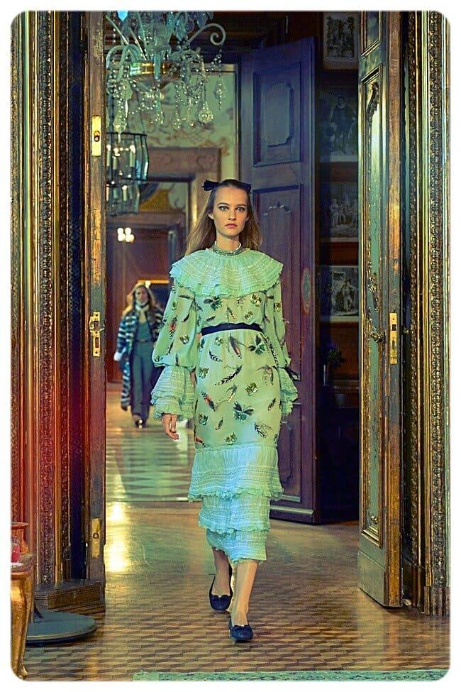 Изысканные наряды Chanel c бисерными вставками_летний фестиваль