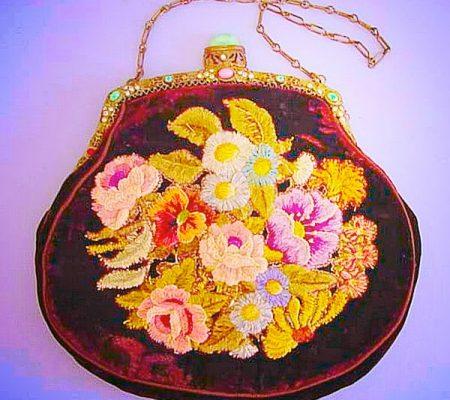 Бисерные сумочки эпохи модерн