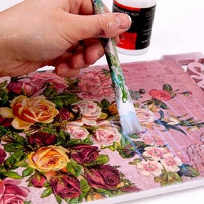 Как сделать подарок на день рождения бабушке своими руками ?